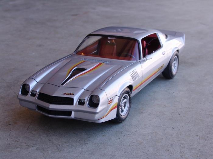 Revell-Monogram 1/24 1979 Chevy Camaro Z28
